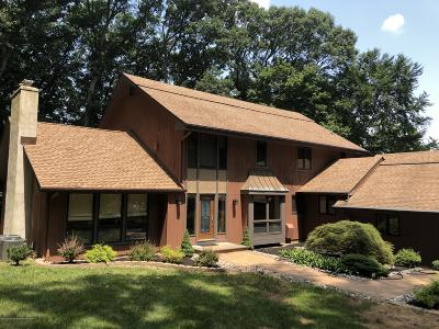Monmouth County Single Family Home For Sale: 5 Shadow Ridge Court