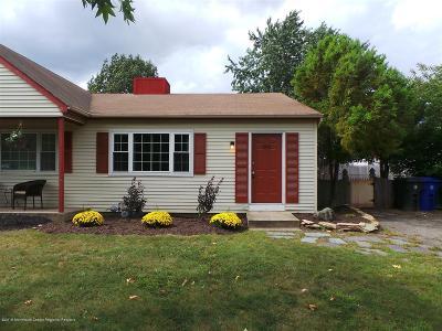 Toms River Single Family Home For Sale: 562 Innkeeper Lane