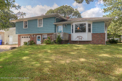 Brick Single Family Home For Sale: 8 Cranberry Cove Road