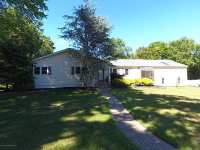 Eatontown NJ Single Family Home For Sale: $569,900