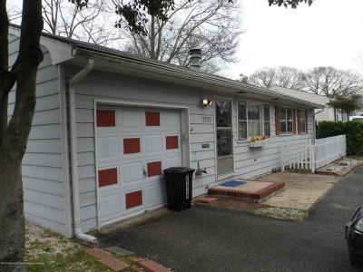 Point Pleasant Single Family Home For Sale: 2229 Taylor Street