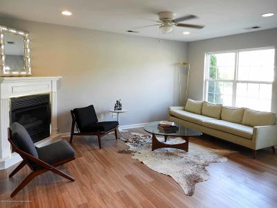 Tinton Falls Condo/Townhouse For Sale: 22 Forrest Court