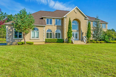 Single Family Home For Sale: 12 Stone Tavern Drive