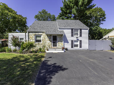 Toms River Single Family Home For Sale: 16 Field Street
