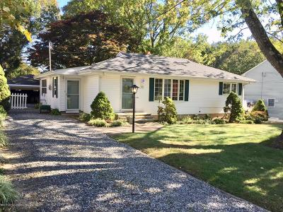 Middletown Single Family Home For Sale: 33 Melrose Terrace