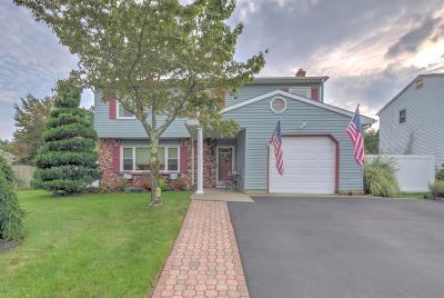 Howell Single Family Home For Sale: 56 Lorelei Drive