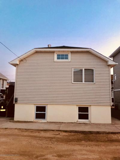 Point Pleasant Single Family Home For Sale: 9 Stoney Road