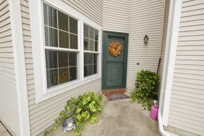 Holmdel NJ Condo/Townhouse For Sale: $229,000