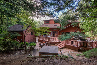Holmdel Single Family Home For Sale: 55 Telegraph Hill Road