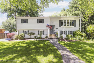 Middletown Single Family Home Under Contract: 8 Greeley Court
