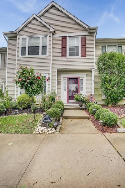 Condo/Townhouse Under Contract: 19 Haverford Court #4
