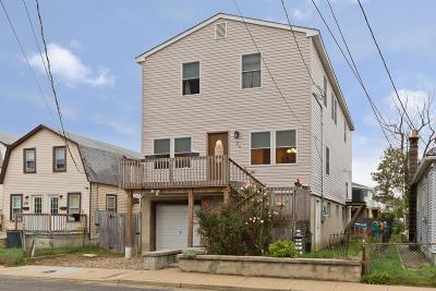 Atlantic Highlands, Highlands Single Family Home For Sale: 26 Huddy Avenue