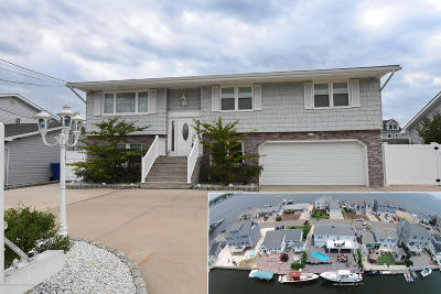 Toms River Single Family Home For Sale: 1833 Ensign Court