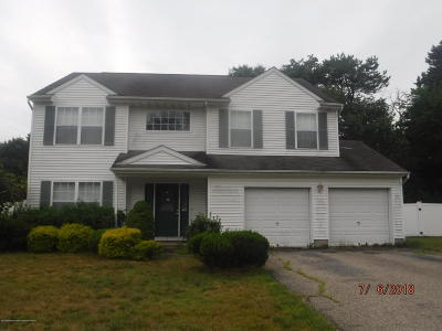 Manchester Single Family Home For Sale: 15 Ridgeview Drive