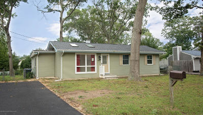 Toms River Single Family Home For Sale: 915 Bellwood Drive