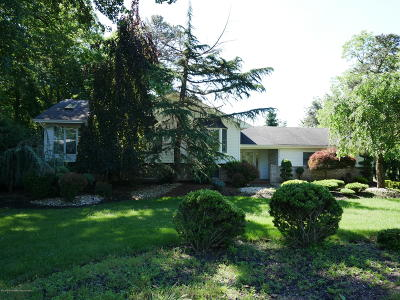 Manalapan Single Family Home For Sale: 323 Union Hill Road