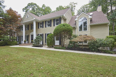 Middletown Single Family Home For Sale: 2 Windy Hill Lane