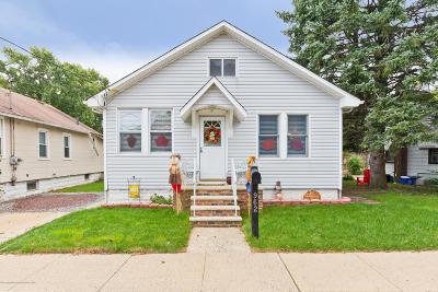 Atlantic Highlands Single Family Home For Sale: 962 Leonardville Road