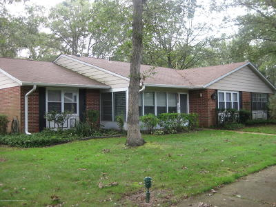 Leisure Village Adult Community For Sale: 613a Lake Point Drive #100A