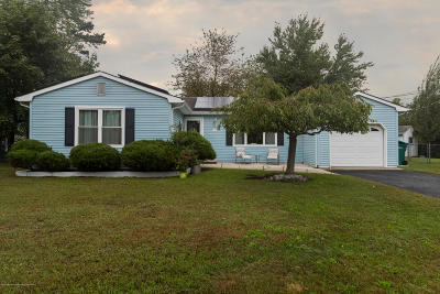 Toms River Single Family Home Under Contract: 1417 4th Avenue