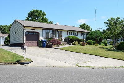 Neptune Township NJ Single Family Home For Sale: $335,000