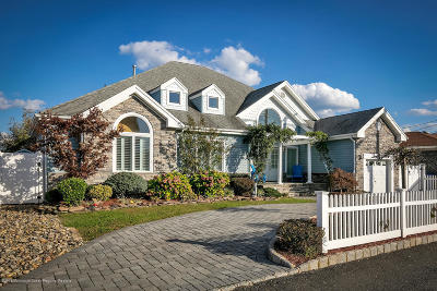 Toms River Single Family Home For Sale: 565 Long Point Drive