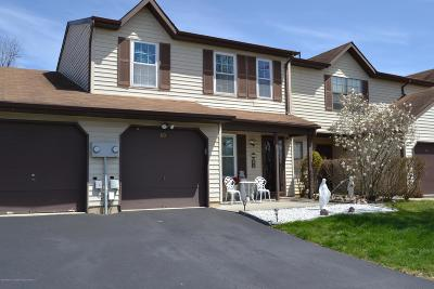 Freehold Condo/Townhouse For Sale: 60 Harbor Circle