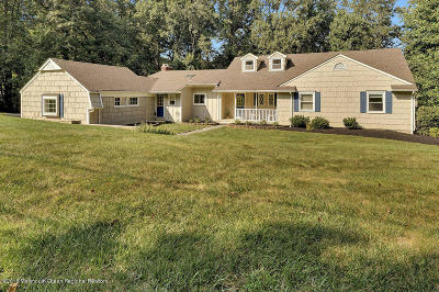 Holmdel NJ Single Family Home Under Contract: $619,000