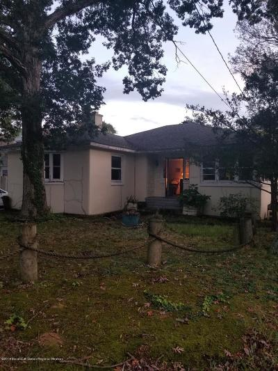 Point Pleasant Single Family Home Under Contract: 826 Burnt Tavern Road