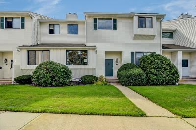 Middletown Condo/Townhouse For Sale: 472 Clubhouse Drive