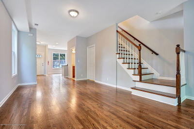 Red Bank Condo/Townhouse For Sale: 158 Newman Springs #A