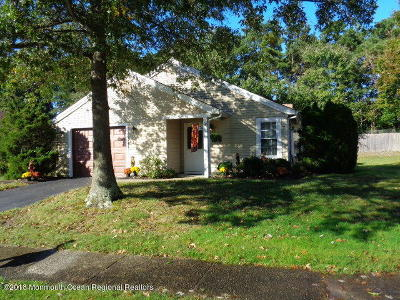 Pheasant Run Adult Community Under Contract: 2125 Llewellyn Parkway