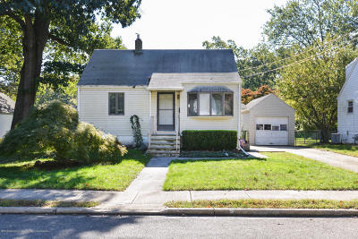 Eatontown NJ Single Family Home For Sale: $230,000