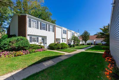 Spring Lake Condo/Townhouse For Sale: 132 Walnut Drive