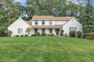 Monmouth County Single Family Home For Sale: 2 Red Hawk Road