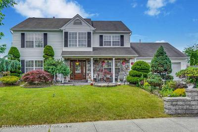 Howell Single Family Home For Sale: 73 Cascades Avenue