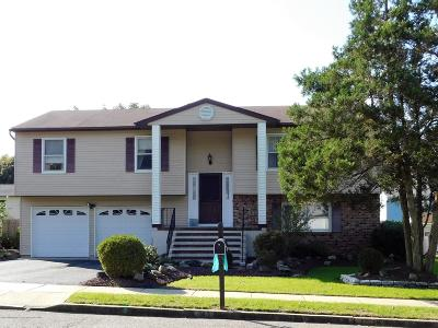 Howell NJ Single Family Home Under Contract: $329,900