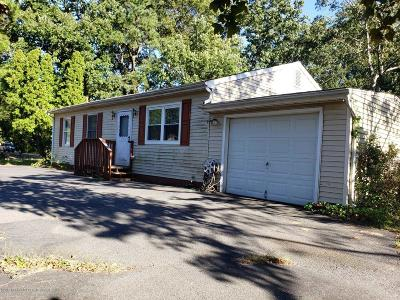 Lakewood Single Family Home For Sale: 218 Ronald Road