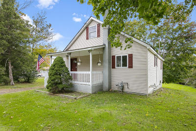Monmouth County Single Family Home For Sale: 62 Vanderveer Road