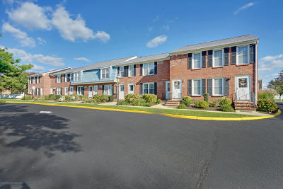 Point Pleasant Condo/Townhouse Under Contract: 330 Route 35 #29