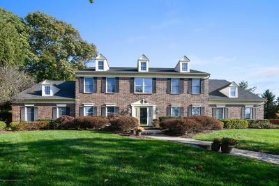 Freehold Single Family Home For Sale: 33 Tanglewood Court