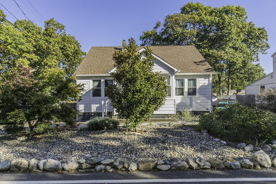 Point Pleasant Single Family Home For Sale: 1031 Old Farm Road