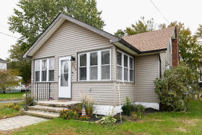 Hazlet Single Family Home For Sale: 158 9th Street