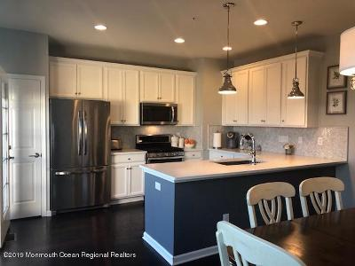 Eatontown Condo/Townhouse Under Contract: 149 Waypoint Drive #2104