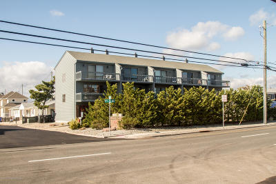 Lavallette Condo/Townhouse For Sale: 3575 Route 35 #4