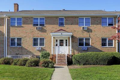 Freehold NJ Condo/Townhouse Under Contract: $123,900