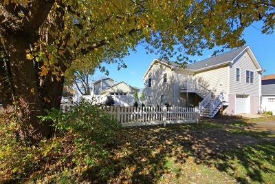 Atlantic Highlands, Highlands Single Family Home For Sale: 53 Cedar Street