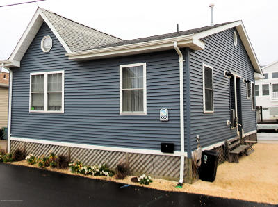 Lavallette Single Family Home For Sale: 223 Gull Lane
