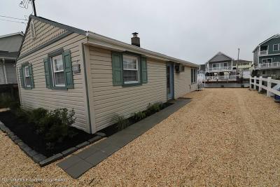 Bayville, Berkeley Single Family Home For Sale: 228 Fernwood Drive