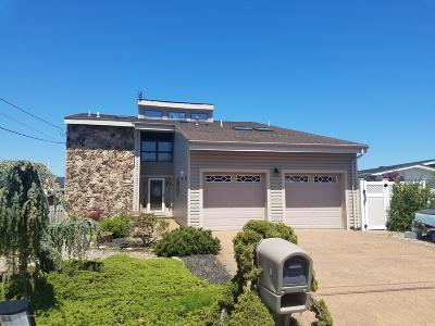 Toms River Single Family Home Under Contract: 8 Blue Heron Drive